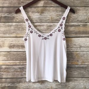 AEO • EMBROIDERED CUTOUT TANK